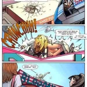 Mall Madness – Issue 3 Giantess Club Comics
